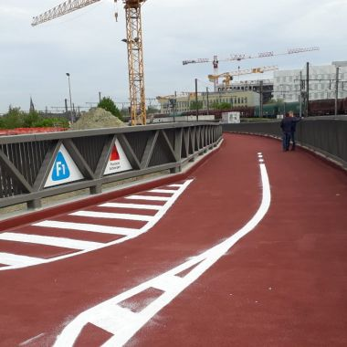 Fietsbrug over de Singel in Berchem